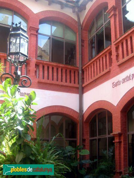 Sant Pere de Ribes - Redós , claustre