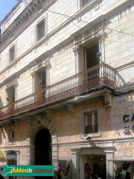 Casa ramona i mayn s o de les columnes trencades - Casas vilanova i la geltru ...